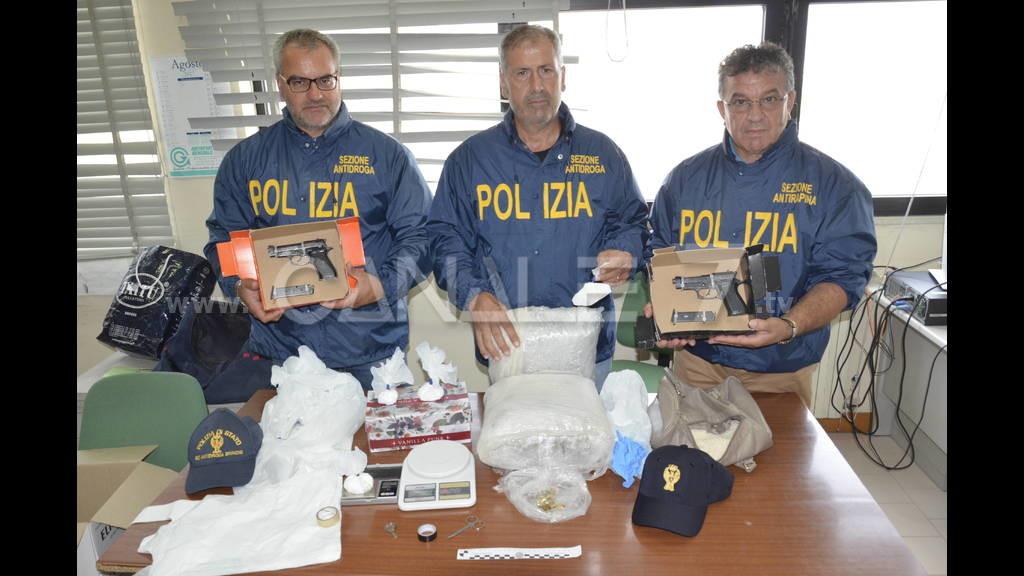 Napoli - Sorpreso in possesso di droga, arrestato 37enne